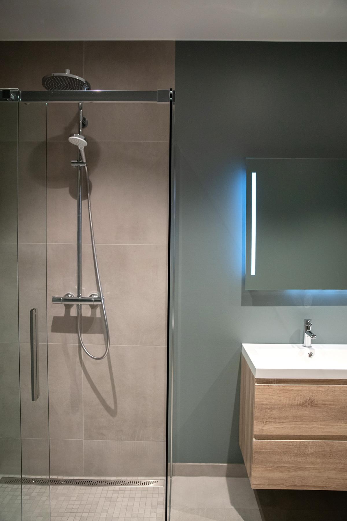 Grønt bad og flotte interiør detaljer - Villa jentoft i Haugesund